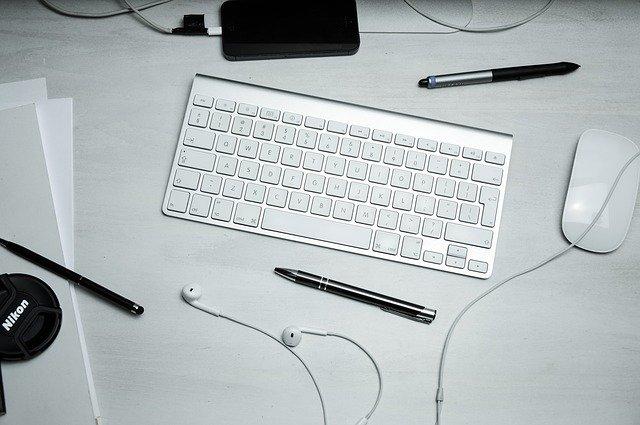 malá klávesnice
