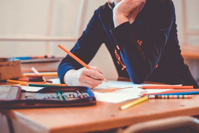 kreslení ve škole.jpg