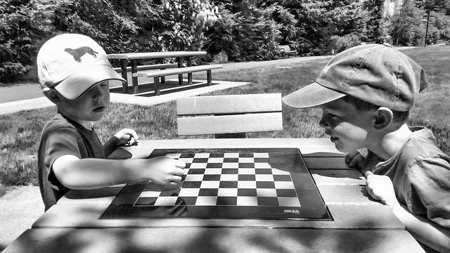 kluci a šachy.jpg